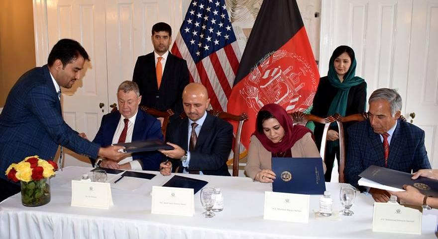 استخراج غیرقانونی و نبود شفافیت در قراردادهای معادن افغانستان